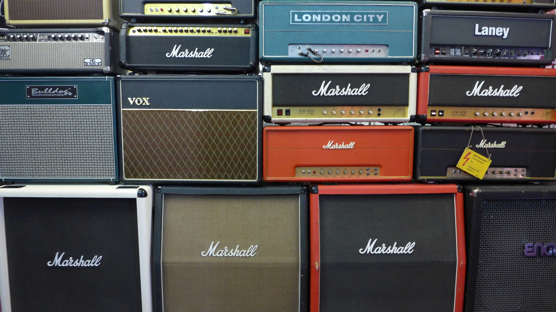wall of amps